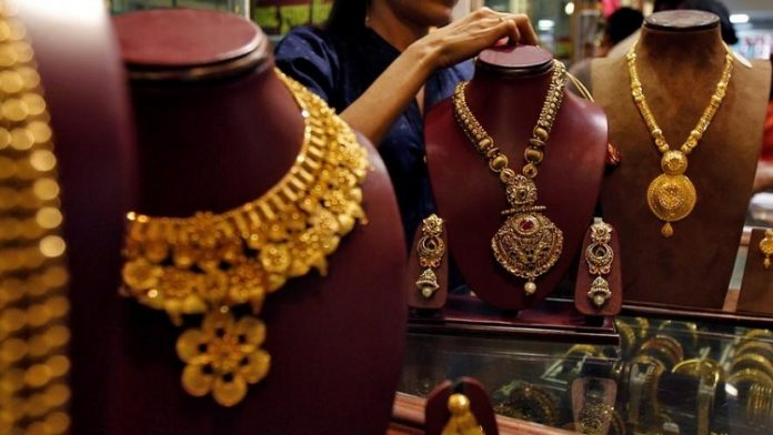 Today Gold Rate : The price of 1 kg silver was reduced by 500 cents from yesterday's price to Rs 39,700. Today Silvar Prize | Chennai | India