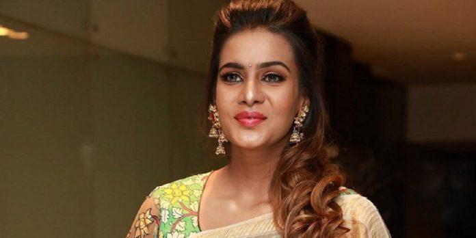 Meera Mithun Latest Photos