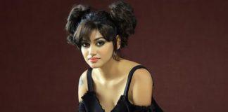 Actress Oviya Photos