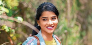 CWC Pavithra Love Proposal to Fans