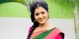 Makkal in Nayagi Award For VJ Chithra