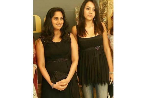 ஷாலினியுடன் த்ரீஷா எடுத்த புகைப்படம் - இணையத்தில் செம வைரல்.!!